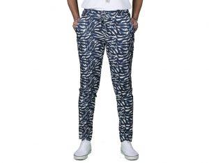 broek met blauwe print van gemma ricceri